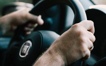 QUIZ – poznáte skratky moderných systémov v autách?