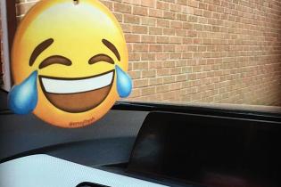 Najlepšie automobilové vtipy – 12 obrázkov, ktoré vás pobavia!