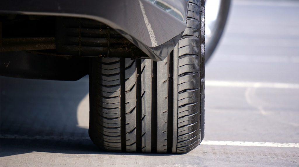 kontrola auta kontrola pneumatík