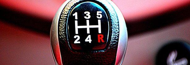 Zaradenie spiatočky za jazdy – čo sa stane?