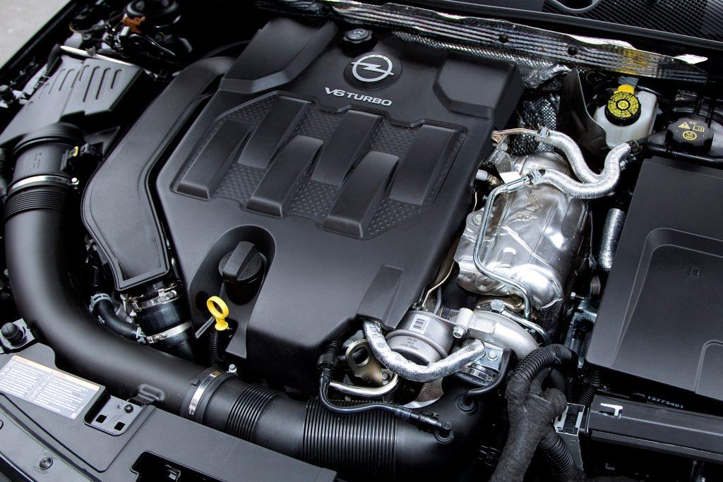 Opel Insignia ST OPC motor