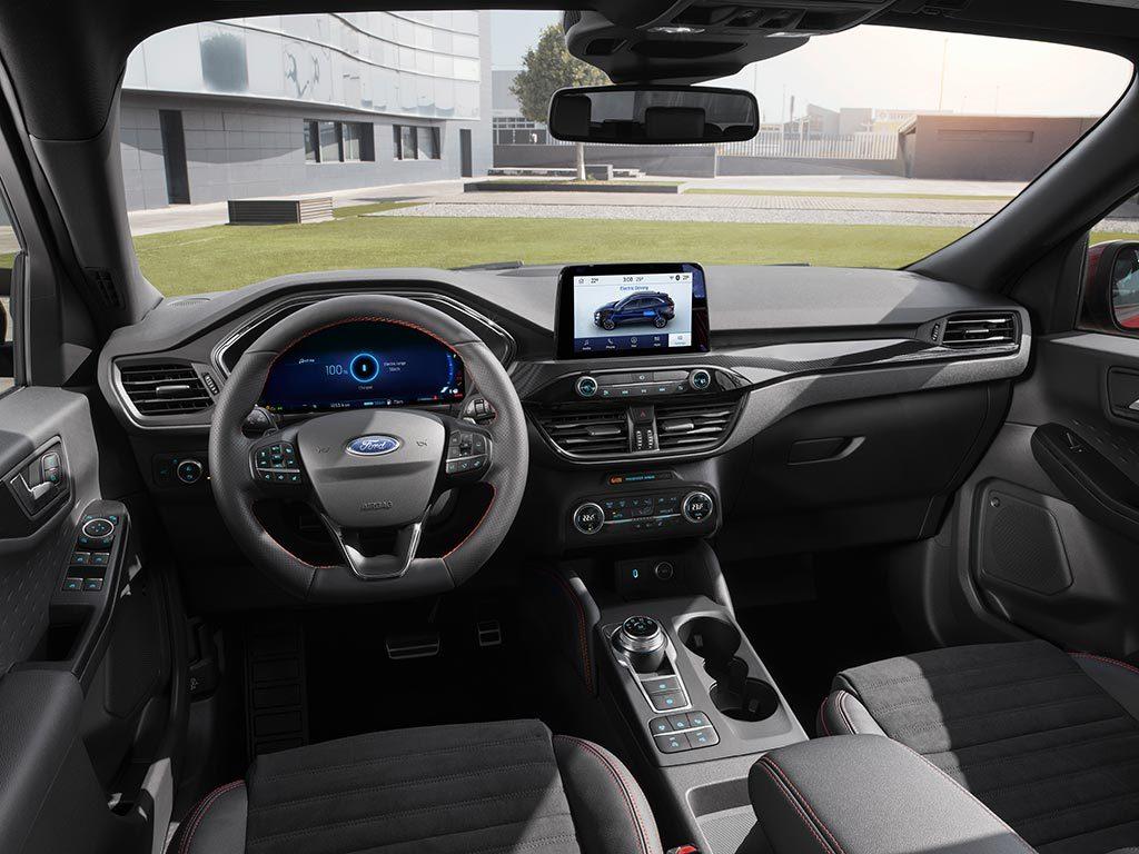 Ford Kuga 2019 interiér