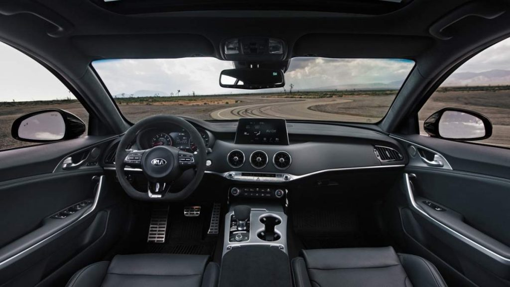 Kia Stinger GTS 2019 interiér