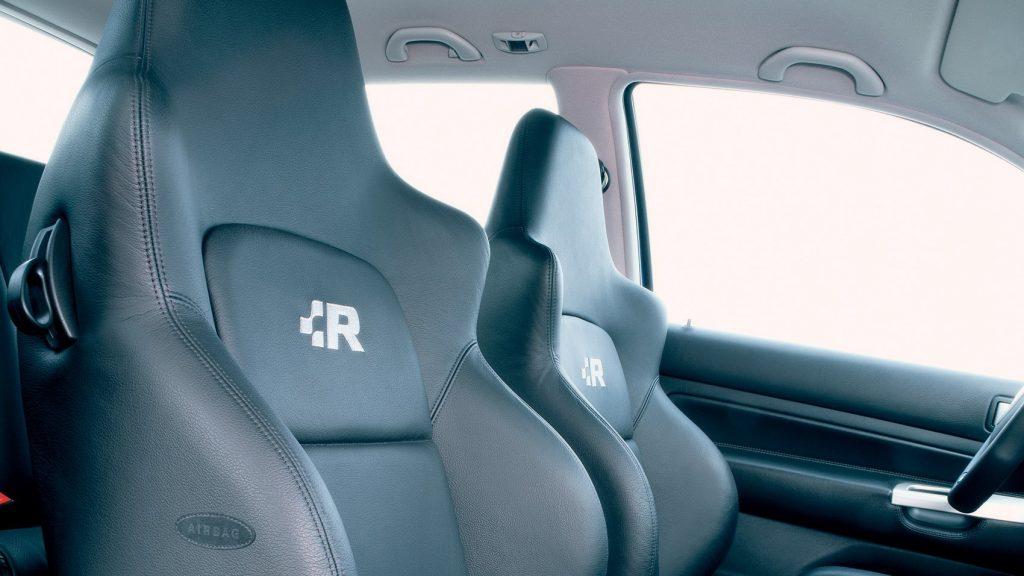 Volkswagen Golf R32 mk4 sedadlá