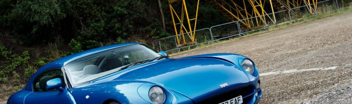 Toto je jedno z najfascinujúcejších áut na svete – TVR Cerbera