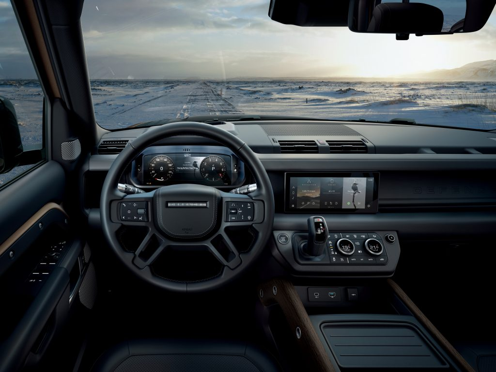 Land Rover Defender 2019 interiér