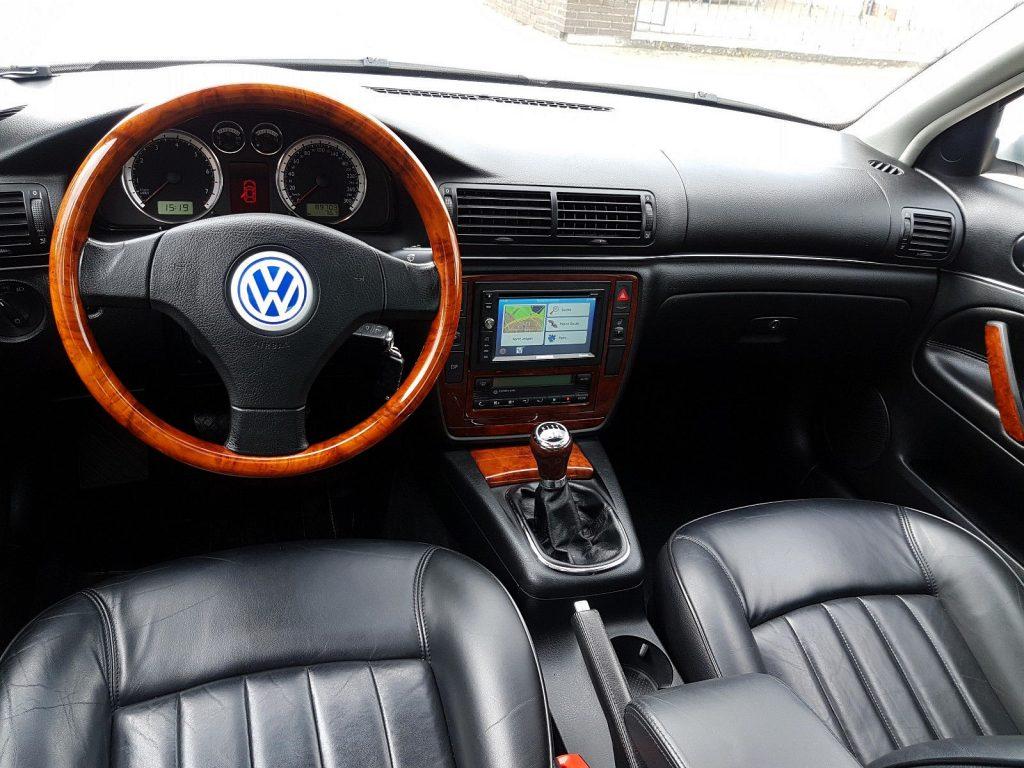 Volkswagen Passat 4,0 W8 interiér