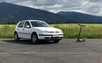 Ultimatívne porovnanie! Volkswagen Golf 1.9 SDI vs elektrická kolobežka