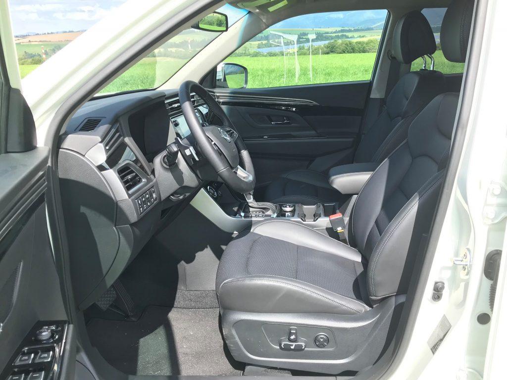 2020 SsangYong Korando 1.5 e-XGI Premium test recenzia interiér