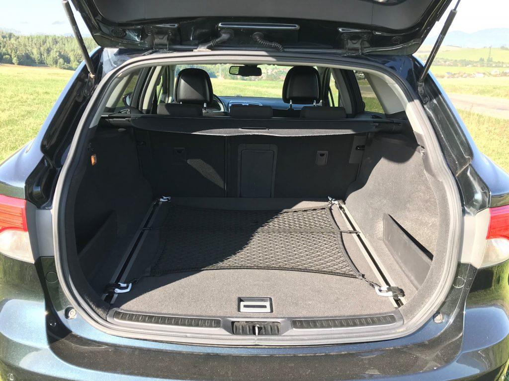 2014 Toyota Avensis Combi 2.0 D-4D 3. gen test recenzia skúsenosti