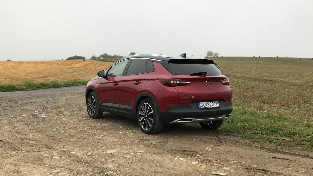 2020 Opel Grandland X Plug In Hybrid4 test recenzia