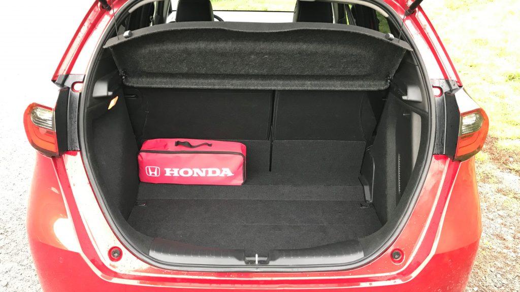 2020 Honda Jazz 1.5 i-mmd test recenzia skúsenosti kufor