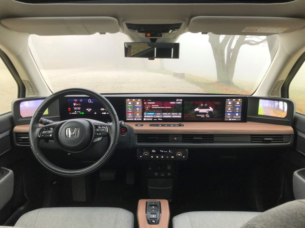 2020 Honda e Advance test recenzia skúsenosti interiér