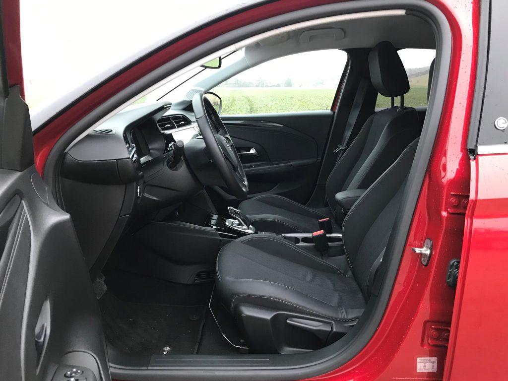 2020 Opel Corsa-E Elegance test recenzia skúsenosti interiér