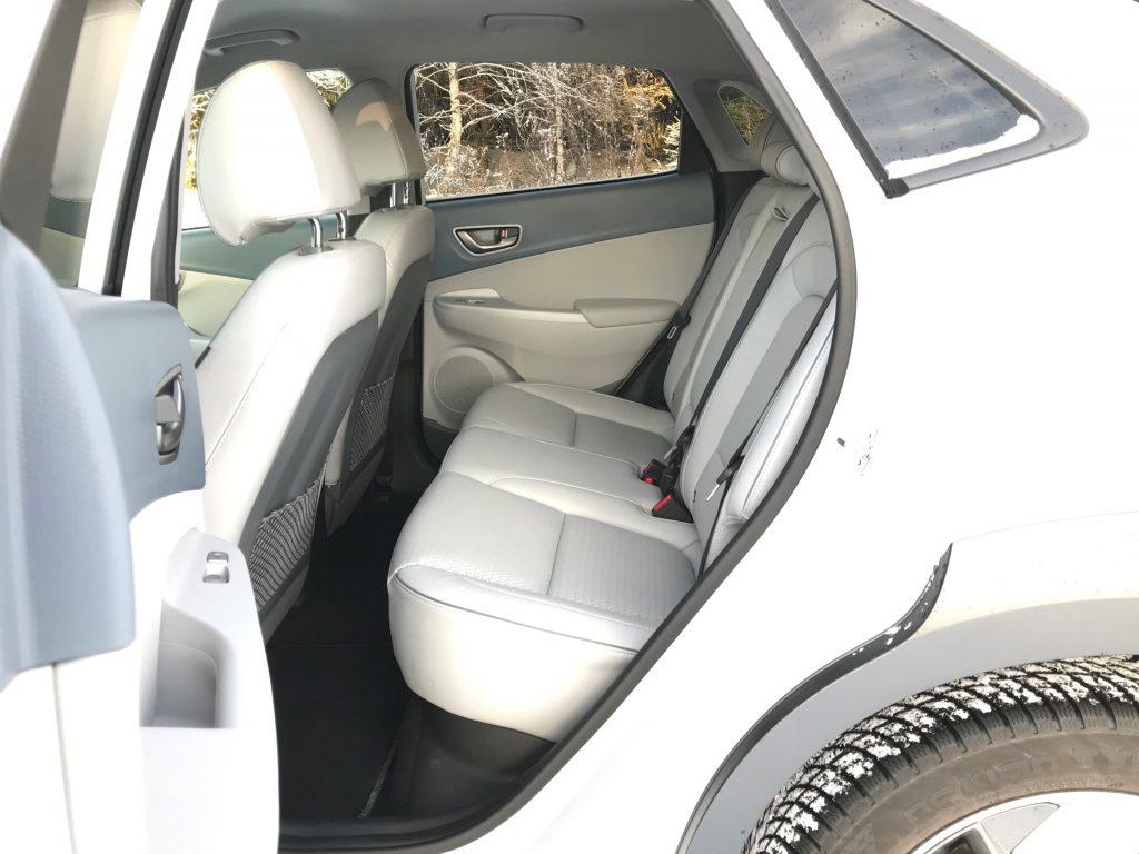 2020 Hyundai Kona Electric+ test recenzia skúsenosti interiér