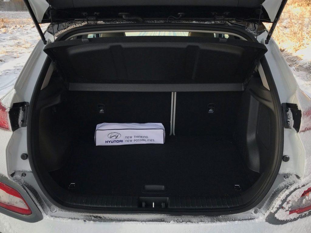2020 Hyundai Kona Electric+ test recenzia skúsenosti kufor