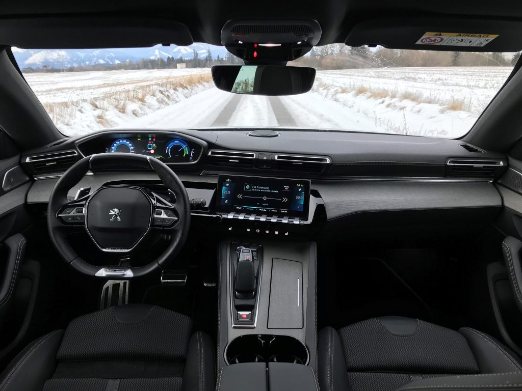 2021 Peugeot 508 SW plug-in hybrid test recenzia skúsenosti interiér