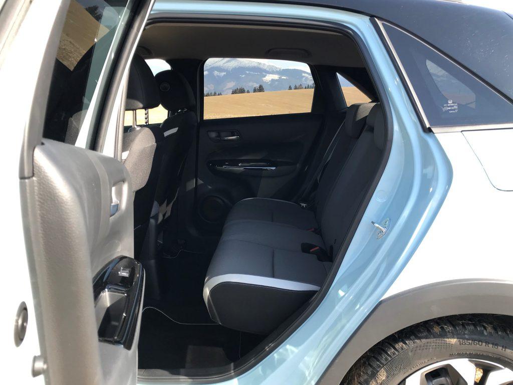2021 Honda Jazz Crosstar 1.5 i-MMD test recenzia skúsenosti interiér