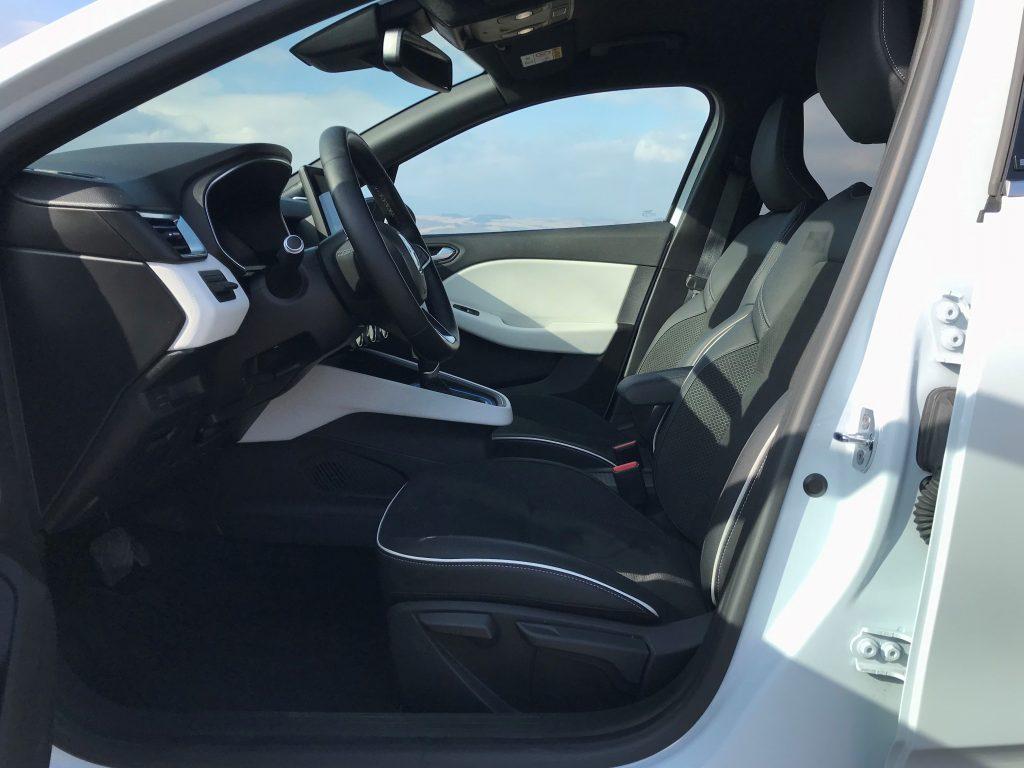 2020 Renault Clio E-Tech Hybrid test recenzia skúsenosti interiér
