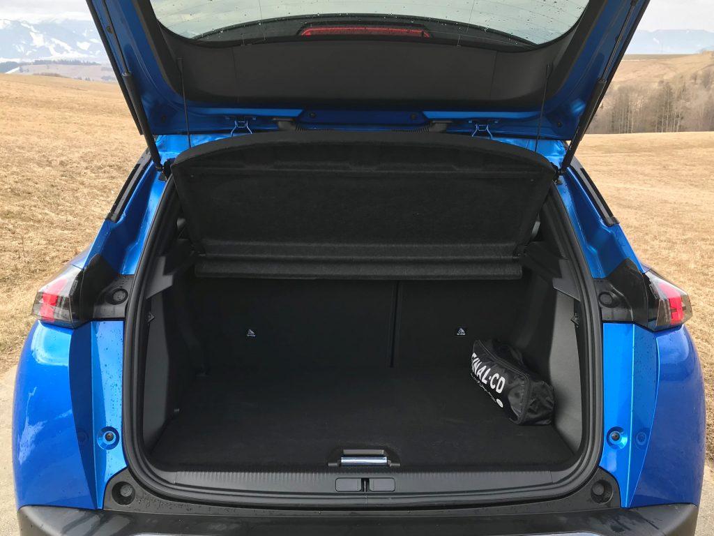 2021 Peugeot e-2008 test recenzia skúsenosti kufor