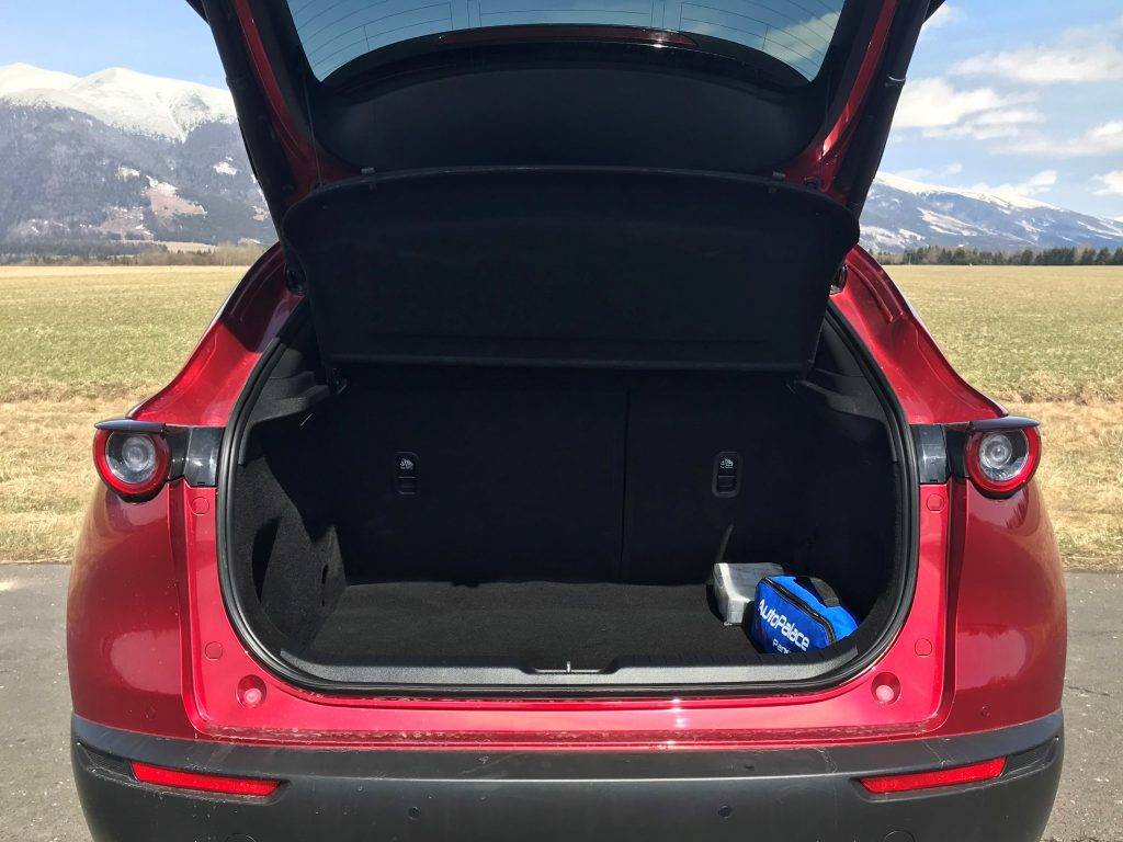 2021 Mazda CX-30 2.0 Skyactiv G150 Plus test recenzia skúsenosti kufor