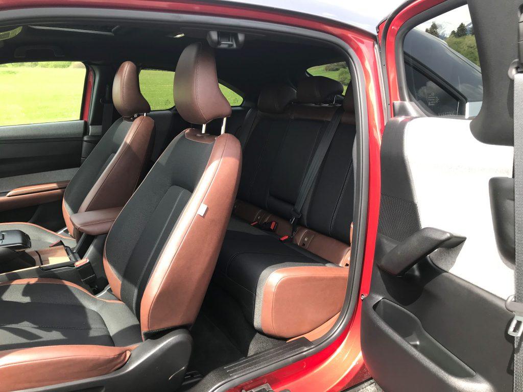 2021 Mazda MX-30 e-Skyactiv test recenzia skúsenosti dojazd zadné sedadlá