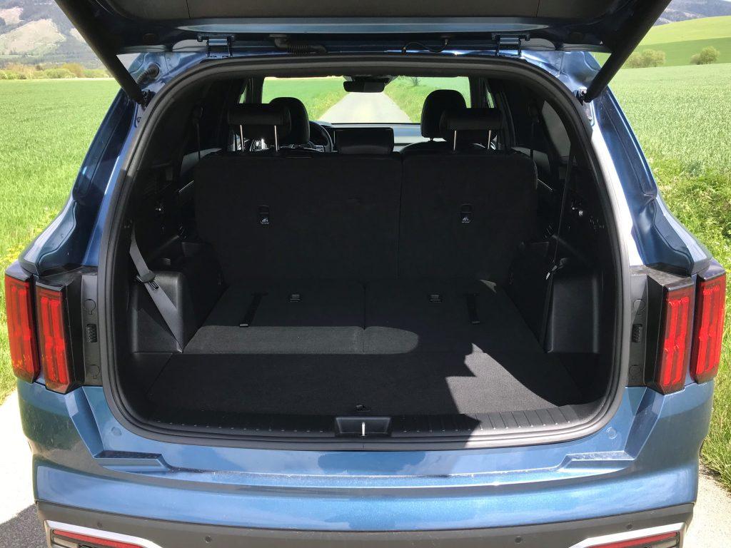 2021 Kia Sorento 2.2 CRDi Platinum test recenzia skúsenosti kufor