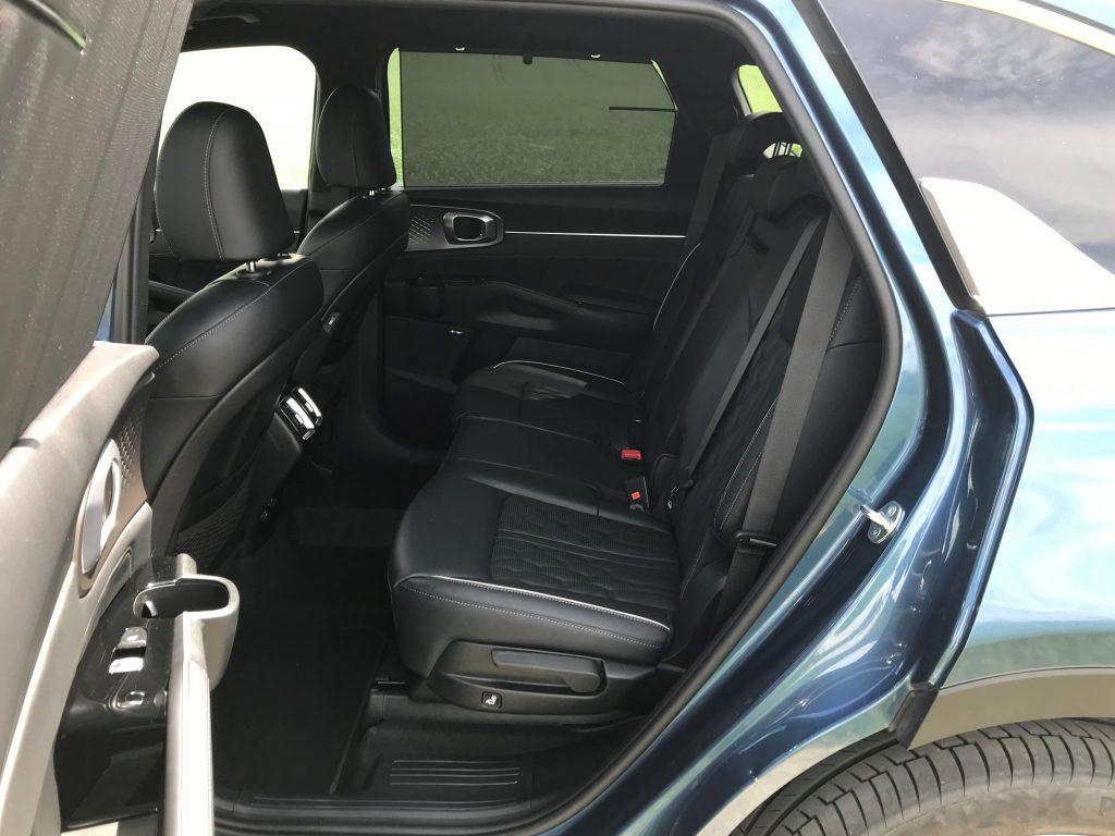 2021 Kia Sorento 2.2 CRDi Platinum test recenzia skúsenosti zadné sedadlá