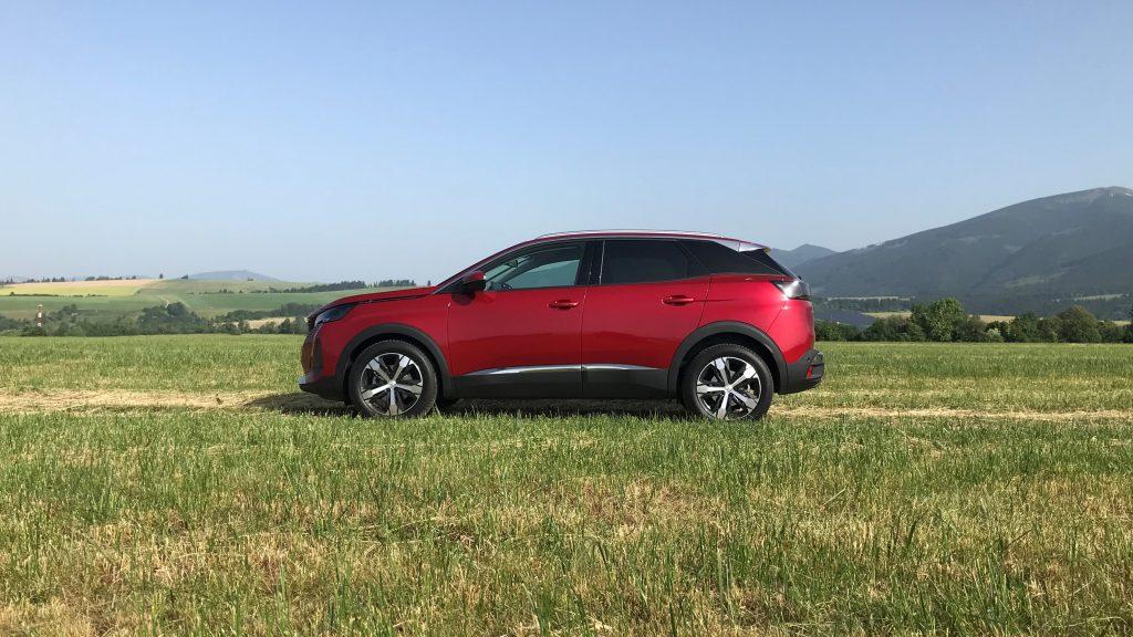 2021 Peugeot 3008 1.2 PureTech Allure Pack test recenzia skúsenosti