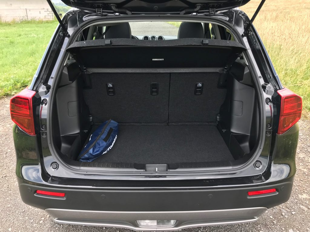 2021 Suzuki Vitara 1,4 Boosterjet Hybrid test recenzia skúsenosti kufor