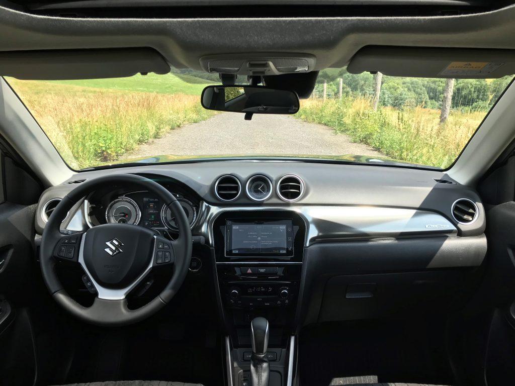2021 Suzuki Vitara 1,4 Boosterjet Hybrid test recenzia skúsenosti interiér