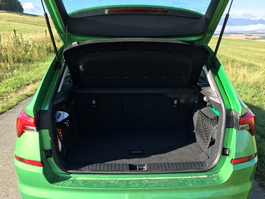 2021 Škoda Kamiq Scoutline 1.0 TSI DSG test recenzia skúsenosti kufor