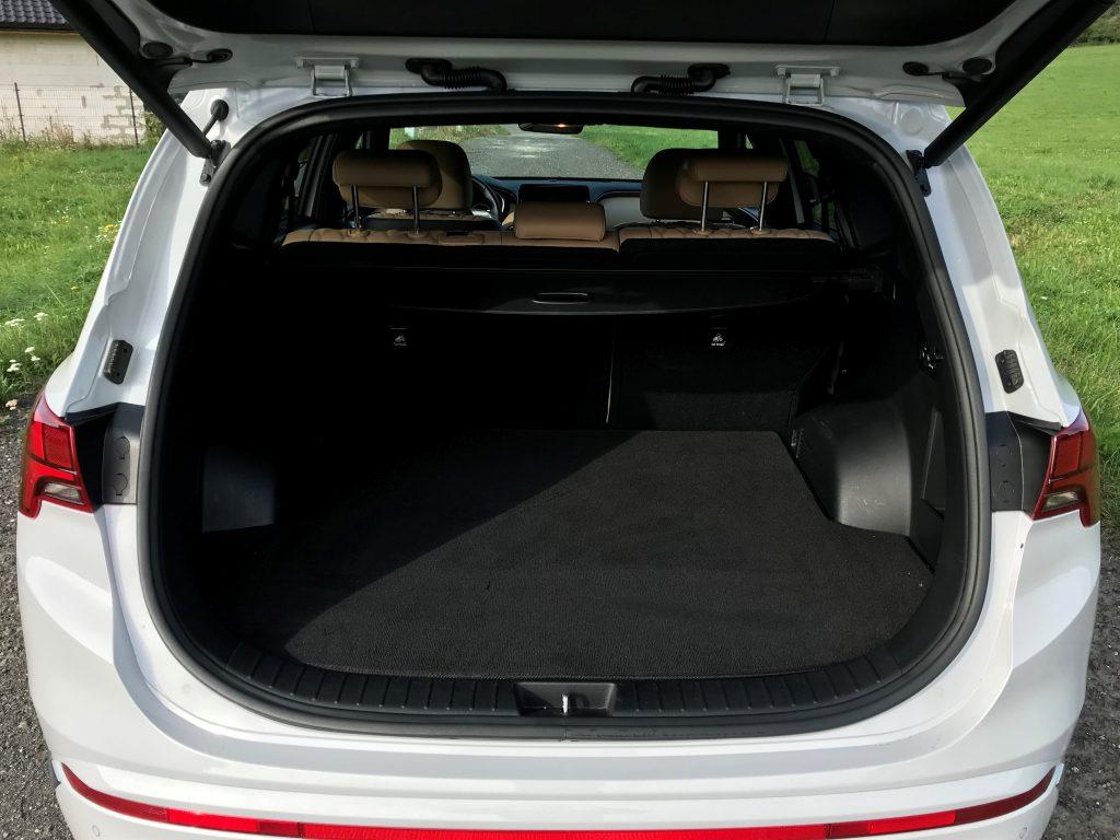2021 Hyundai Santa Fe Hybrid 1.6 T-GDI test recenzia skúsenosti kufor
