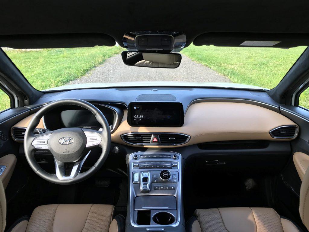 2021 Hyundai Santa Fe Hybrid 1.6 T-GDI test recenzia skúsenosti interiér