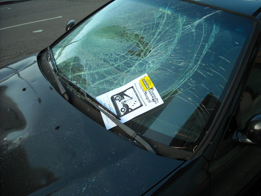 ako zistiť, či bolo auto búrané praktické tipy