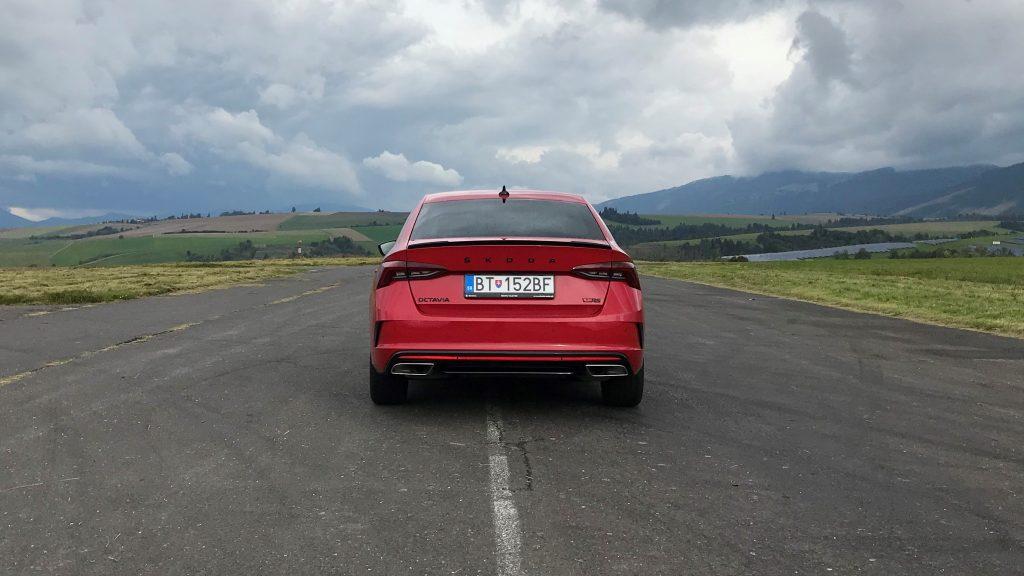 2021 Škoda Octavia RS 2.0 TSI 4. gen. test recenzia skúsenosti