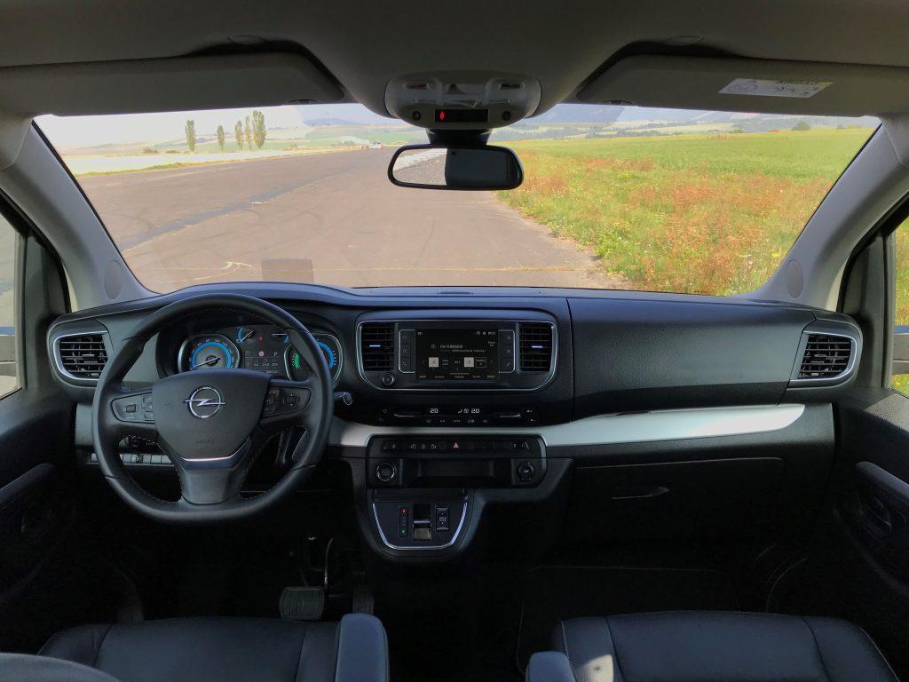 2021 Opel Zafira-e Life 75 kWh test recenzia skúsenosti dojazd interiér